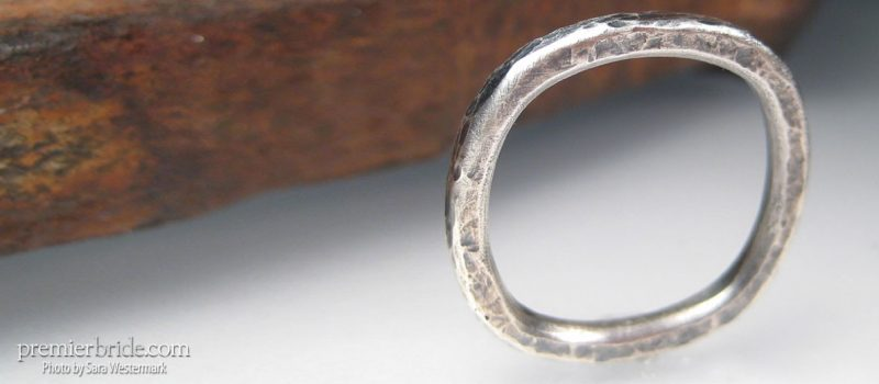 square engagement band