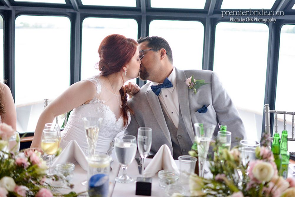 Bride and Groom kiss aboard the Spirit of Philadelphia